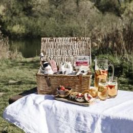 Hampers to complete the Wimbledon experience