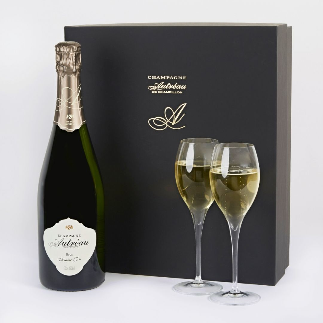 Luxury champagne and glasses gift box