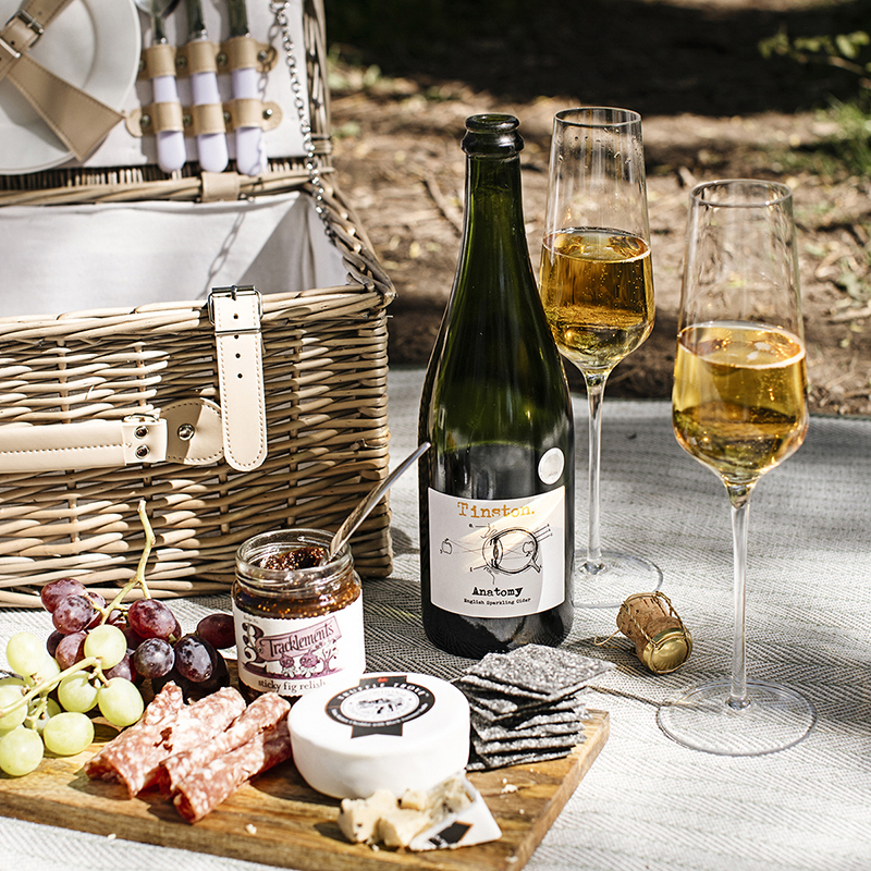 How to plan the perfect picnic with hampers.com