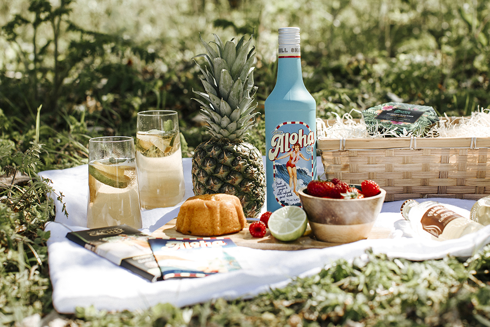 Summer picnic hampers and gifts are the perfect treat to share in the summer